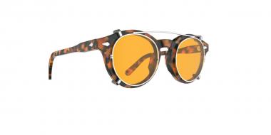 Occhiali con clip on: il grande ritorno delle lenti da sole sovrapponibili