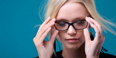 Come NON Truccarsi con gli Occhiali? 4+1 consigli che non puoi ignorare