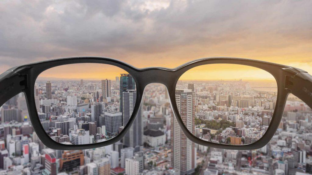 Come Abituarsi agli Occhiali da Vista? L'importanza della montatura